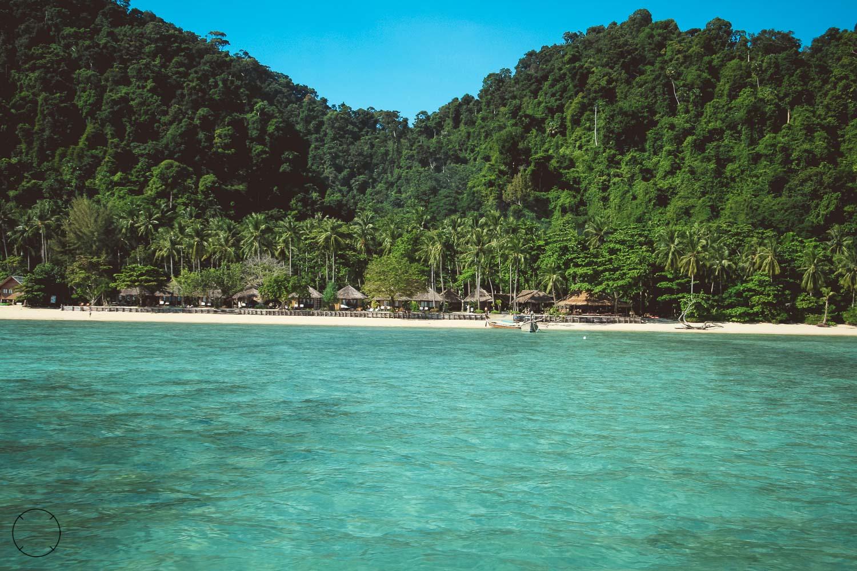 Aankomst op Koh Ngai Thailand