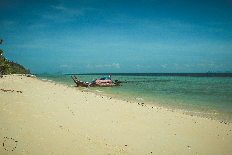 Het mooie strand van Koh Ngai