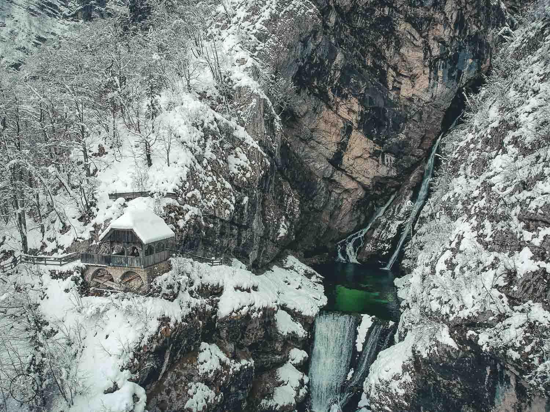 Slovenië in de winter - Savica waterval