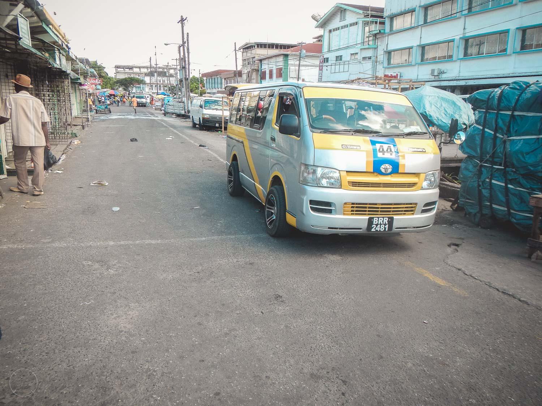 Guyana - taxibus