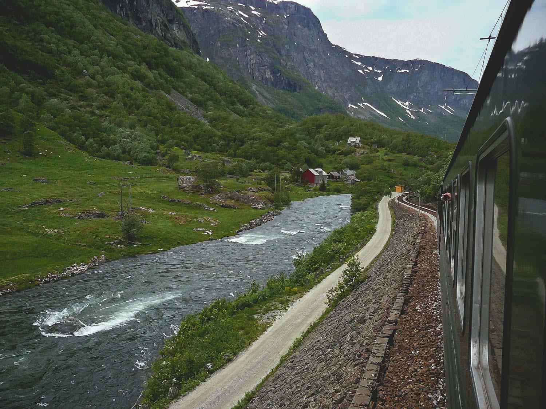 Low budget door Noorwegen - treinreizen