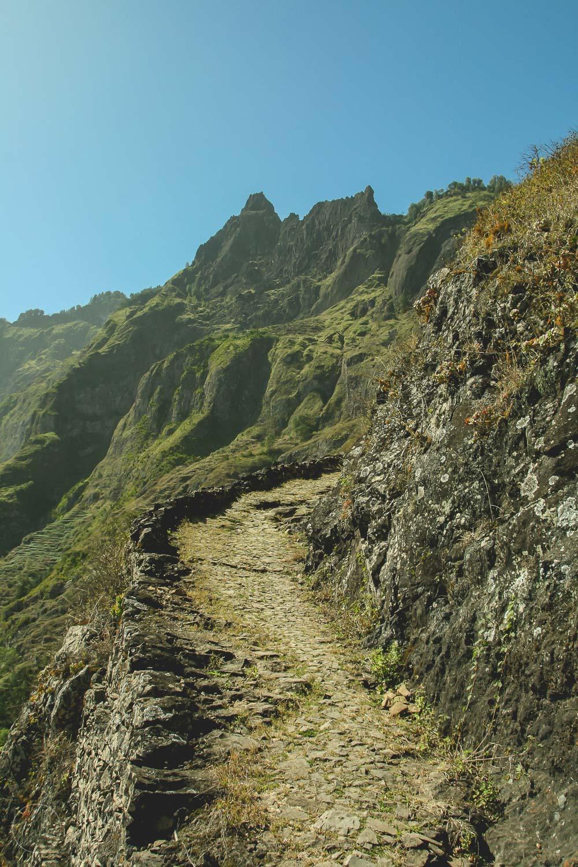 De paden van de wandelroute op Santo Antão zijn prima