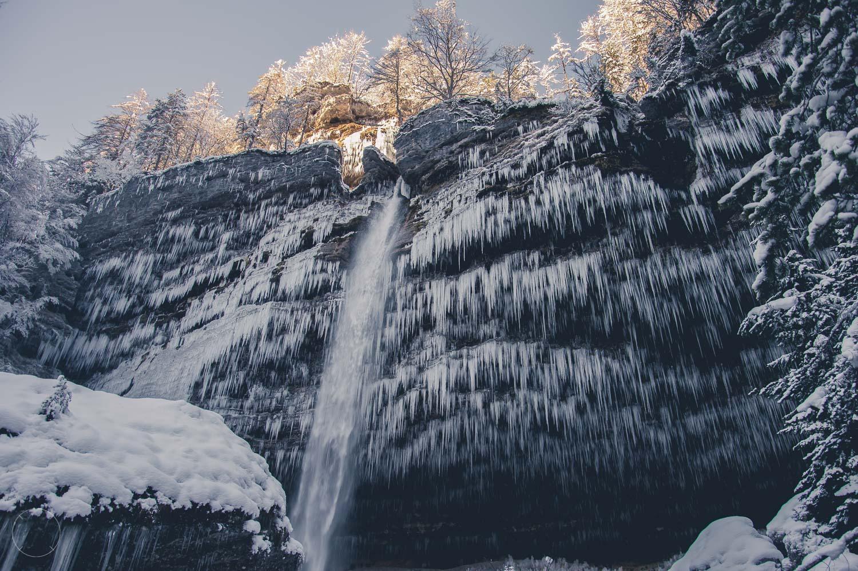 Winter in Slovenië - Peričnik-waterval