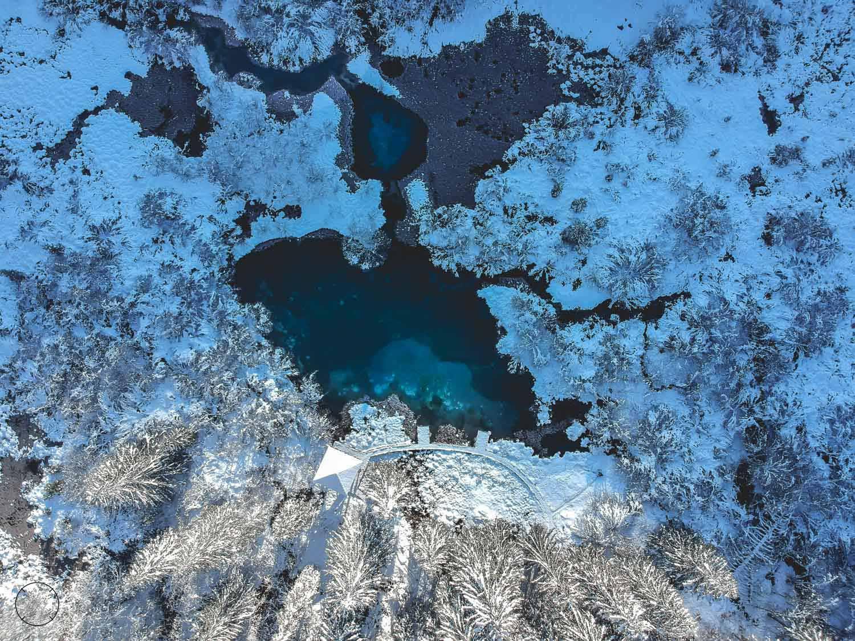 Winter in Slovenië - Zelenci-bron vanuit de lucht
