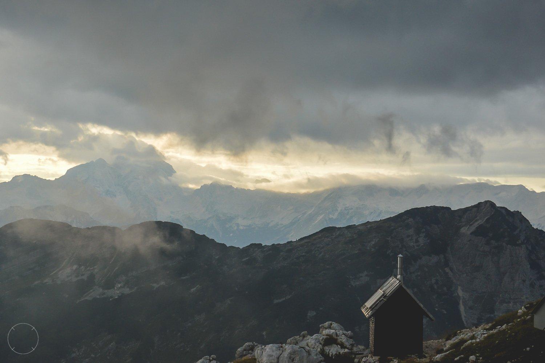 De berglucht is prachtig aan het eind van de dag