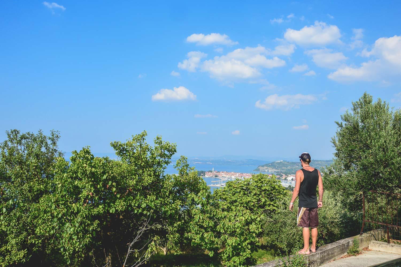 Uitzicht op de kust van Slovenië