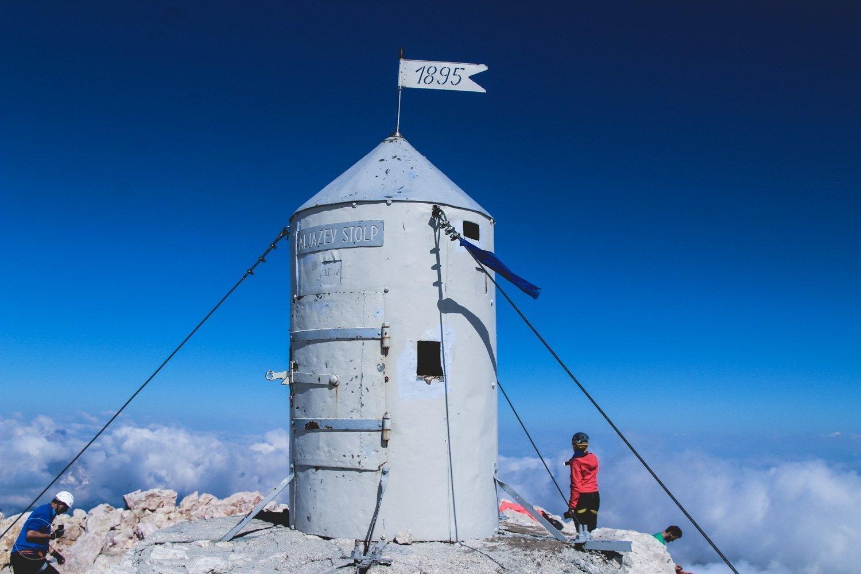 De Aljazev Stolp op de top