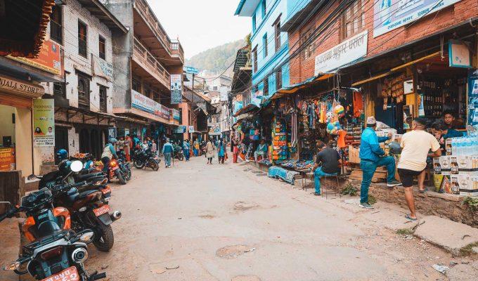 Met de bus naar Tansen in Nepal