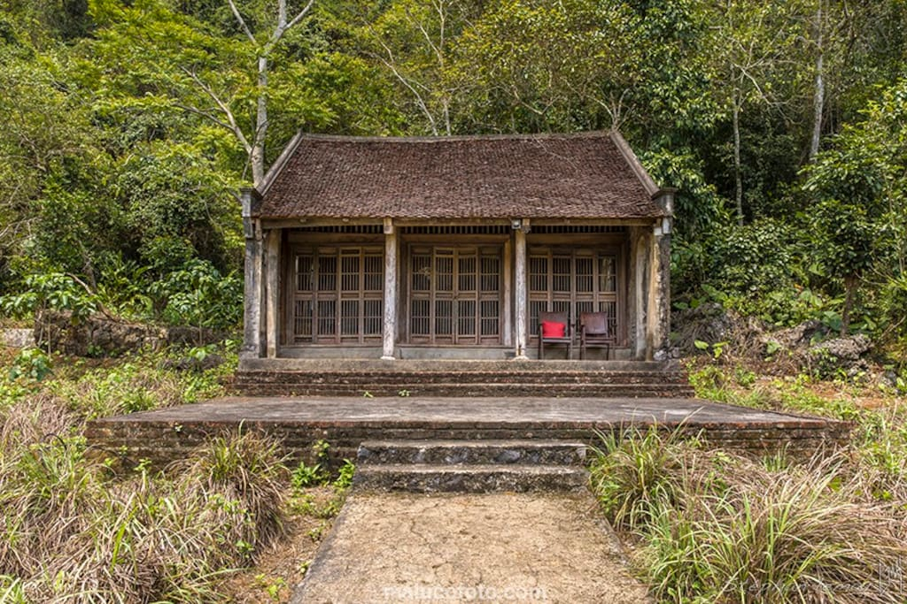 Ancient house airbnb in Vietnam cat ba island
