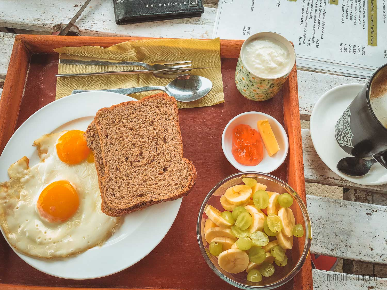 Breakfast set at Perky Beans north lakeside