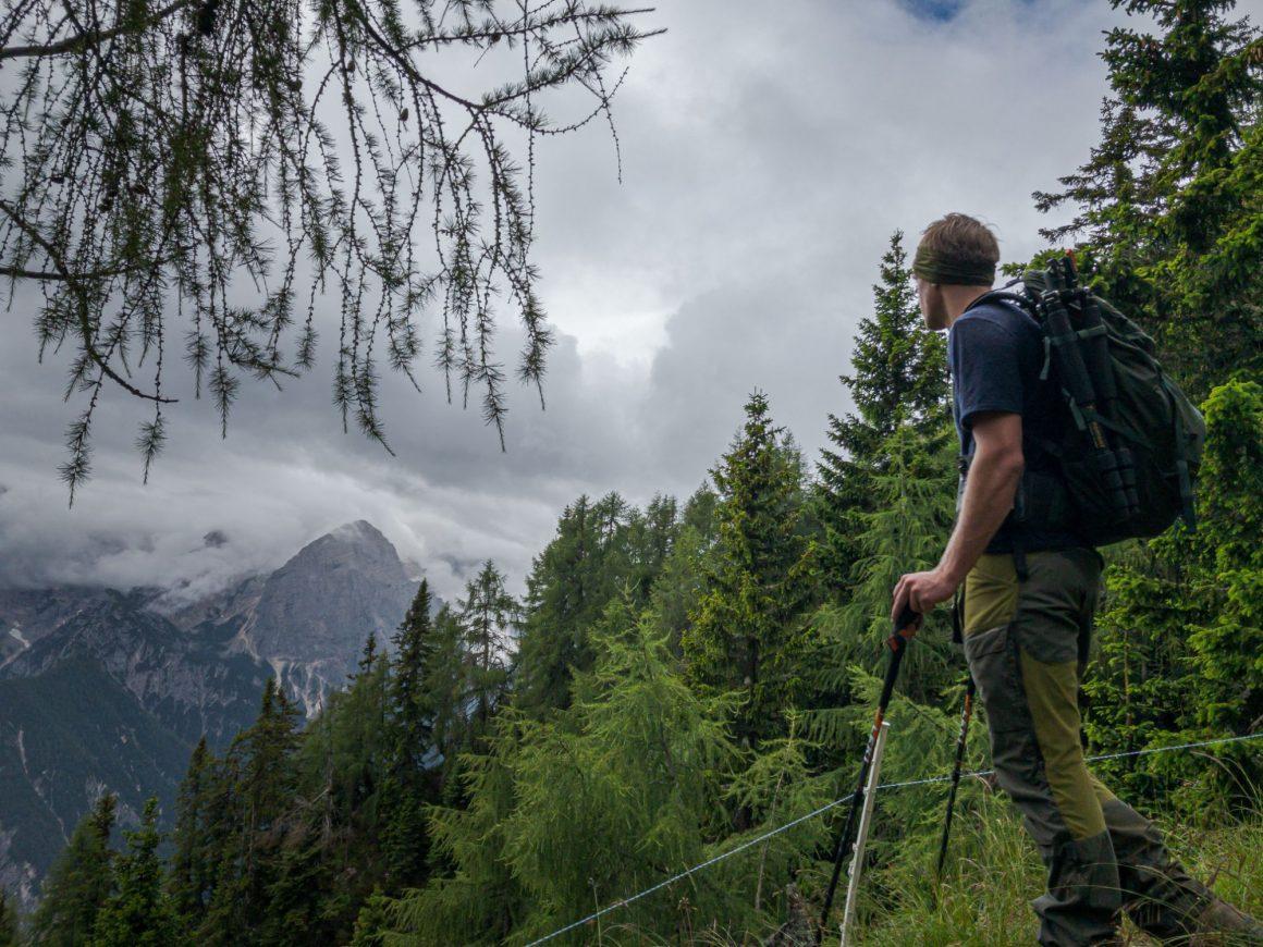 Maak je hike makkelijker met wandelstokken
